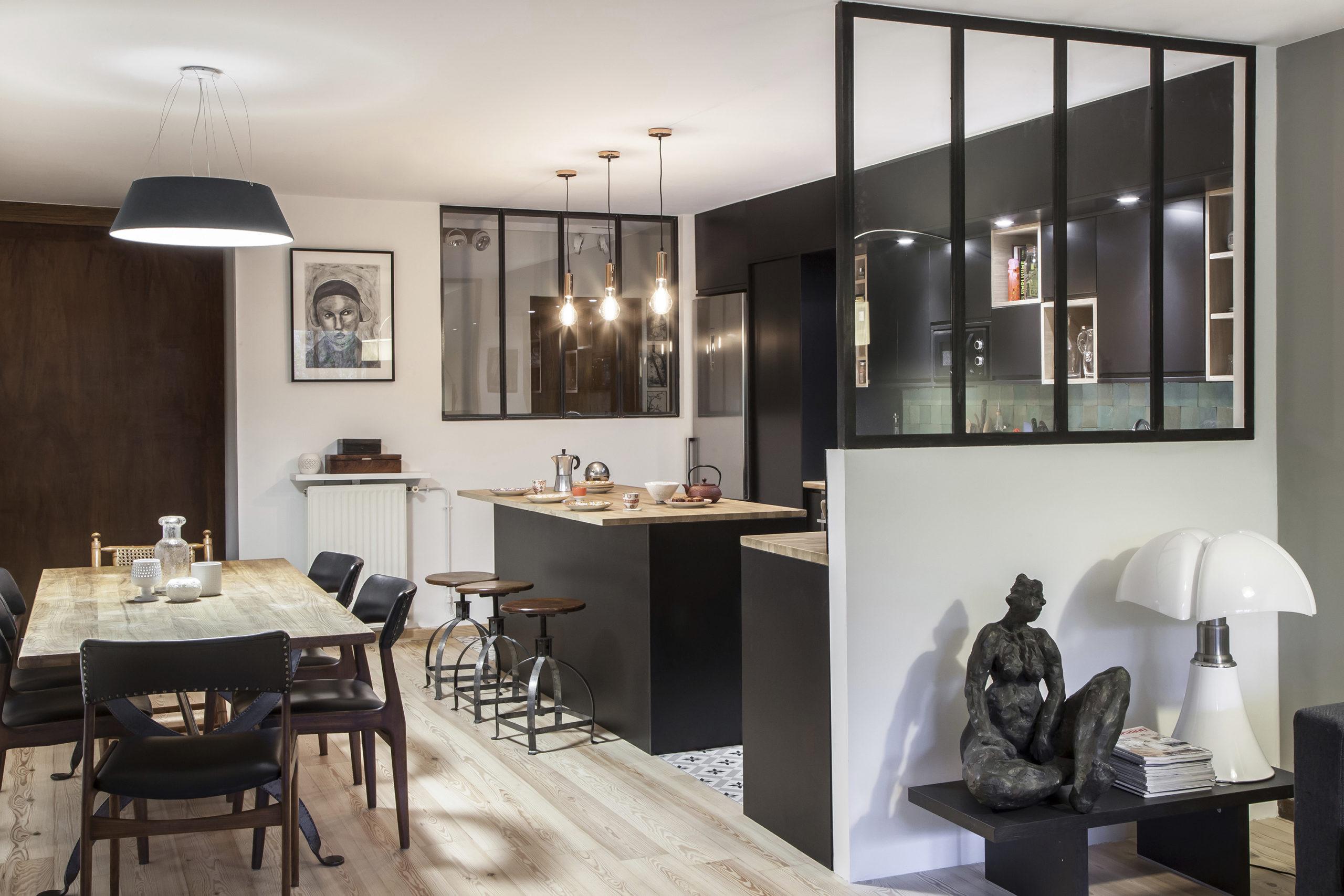 rénovation - cuisine - salle à manger - esprit industriel atelier - verrière - noir bois blanc -