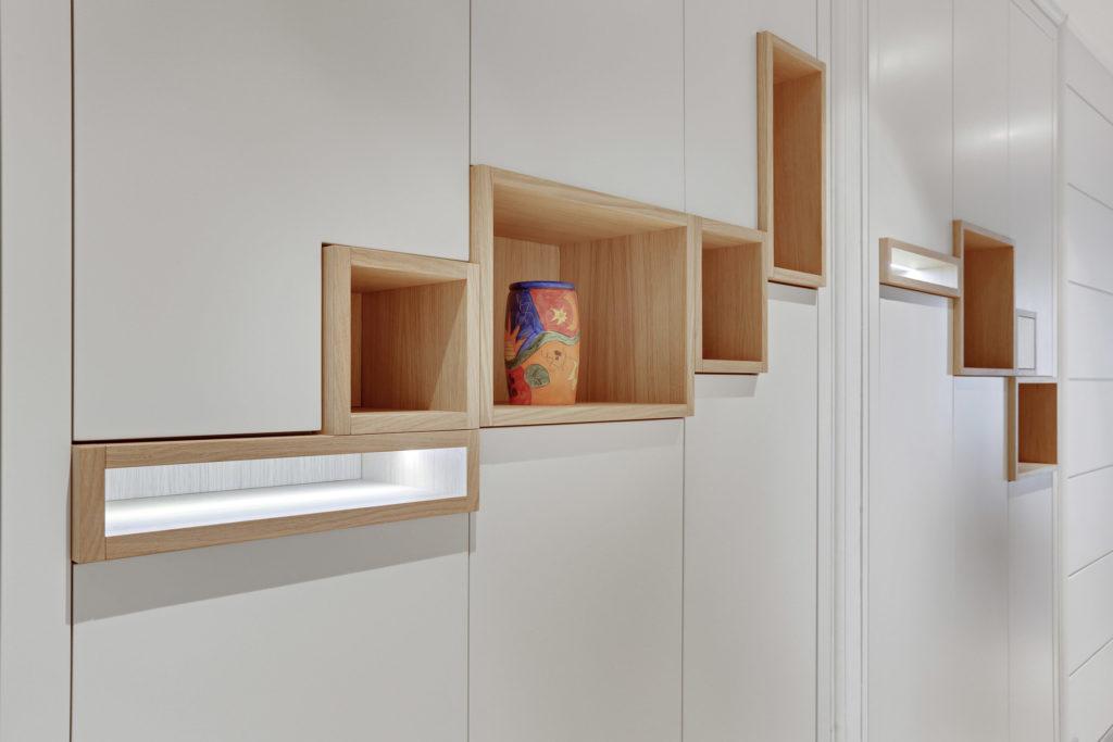 rénovation - appartement - meuble sur mesure - blanc - bois - rangements et niches en bois - dressing
