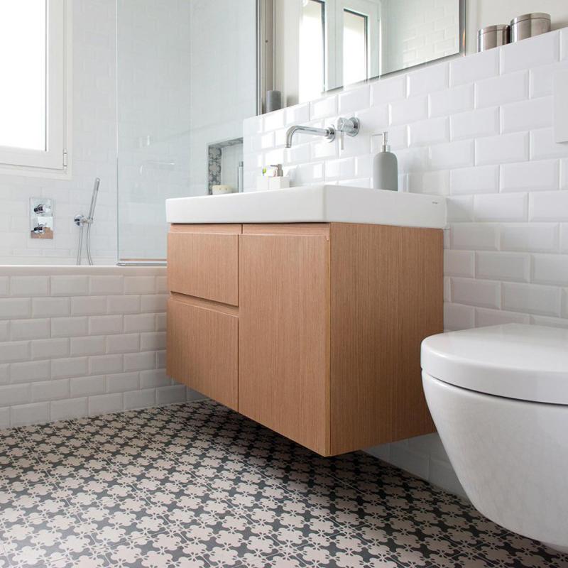 la salle de bain de  l'appartement de Neuilly Bois