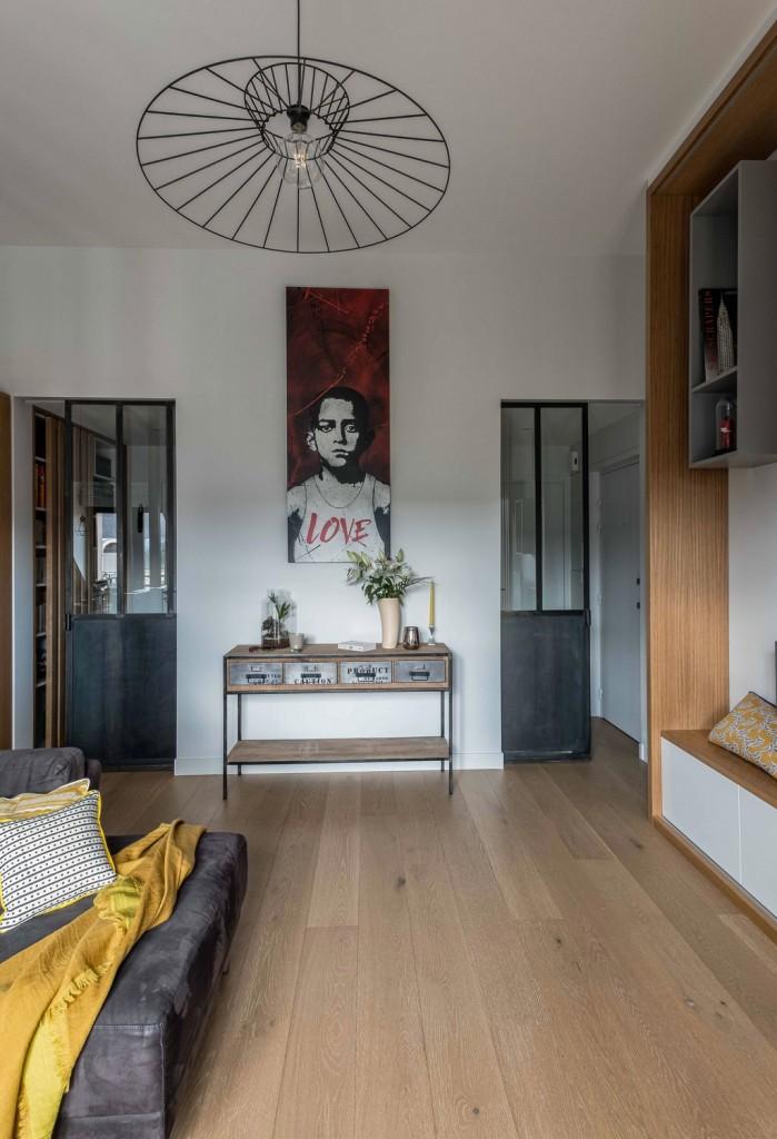 rénovation - séjour salon - meuble télé sur mesure - claustra bois coulissants - étagères grises