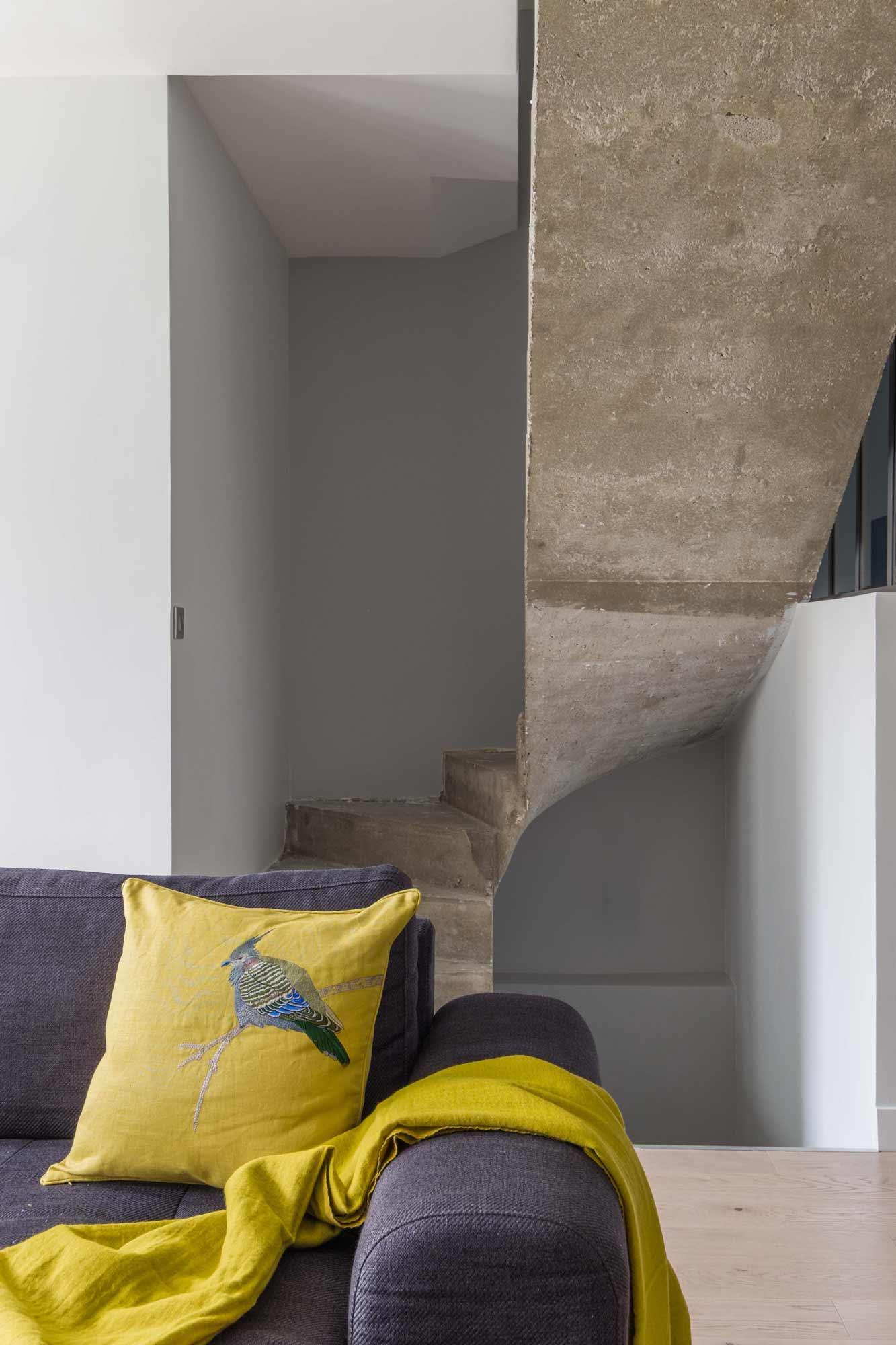 rénovation - gris - béton escalier - pavillon - mursetmerveilles