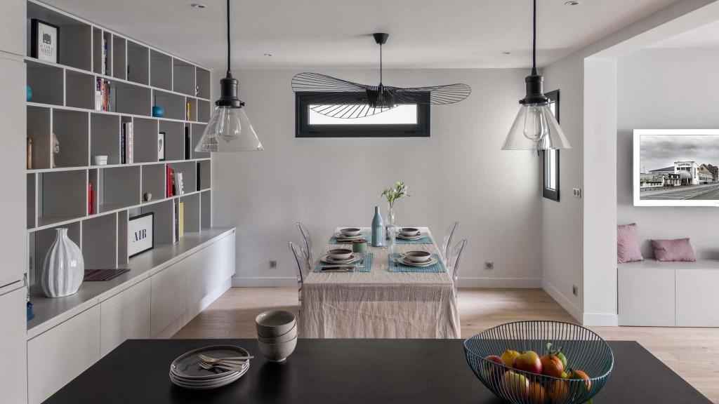 rénovation - gris - bois - lampe vertigo - esprit atelier