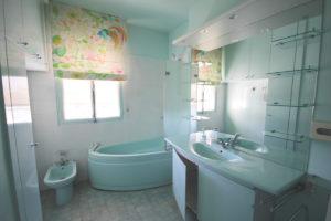 appartement familial 100m2 neuilly salle de bain avant travaux murs et merveilles