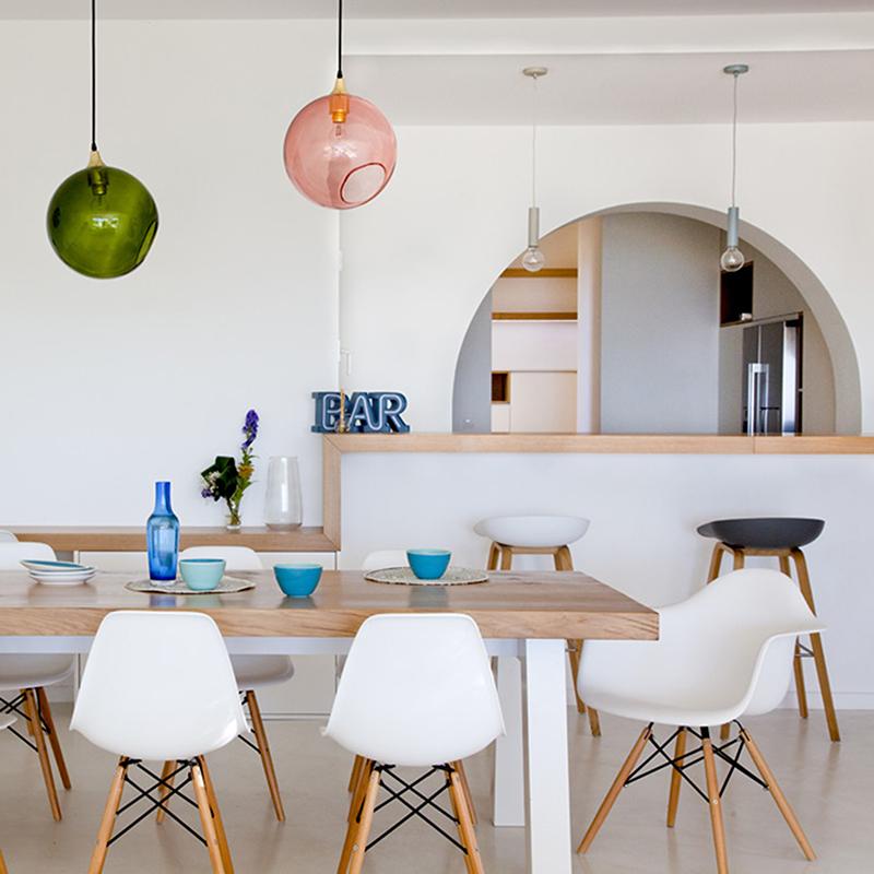 vue de la salle a manger d'une villa à Marseille