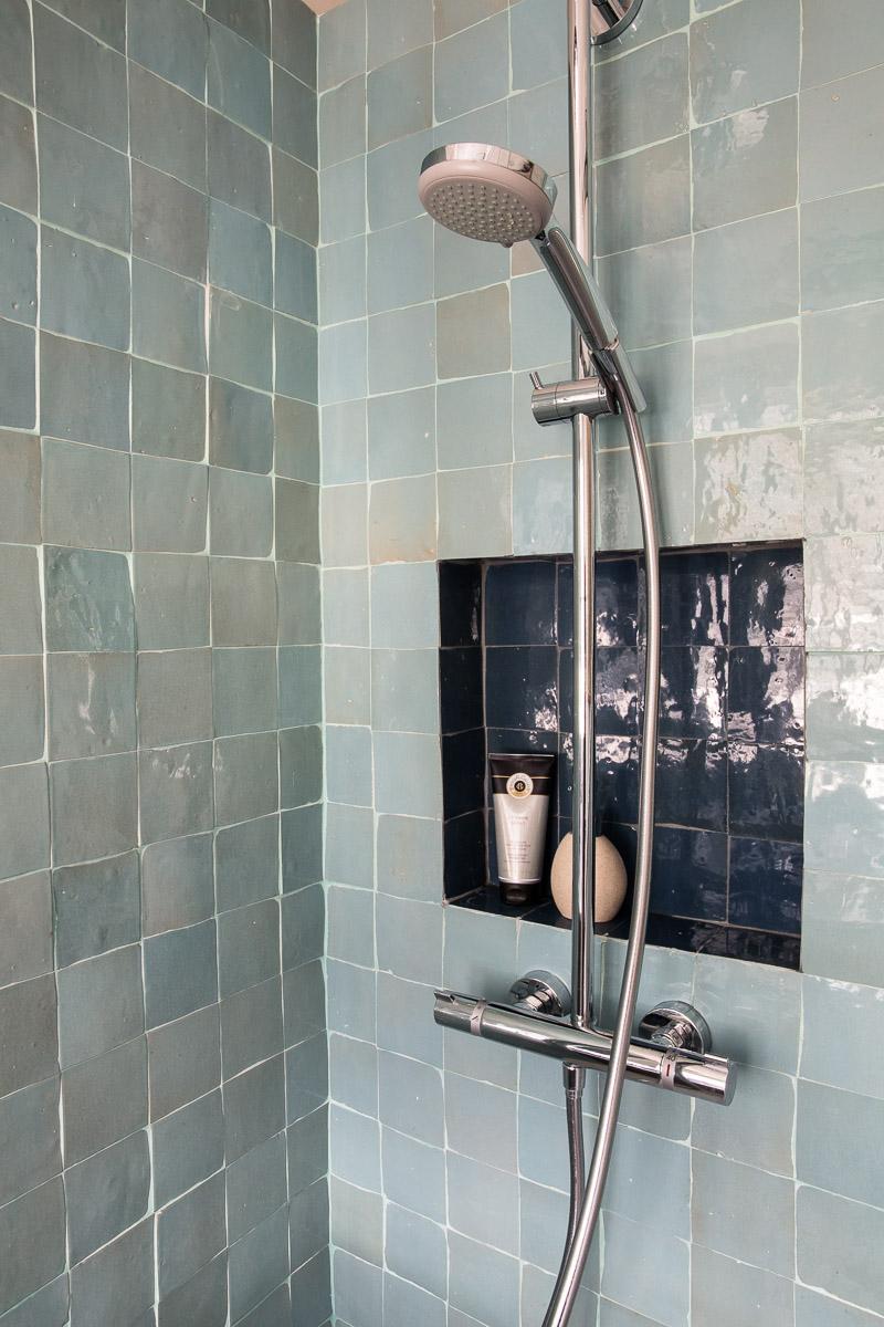 niche dans la douche