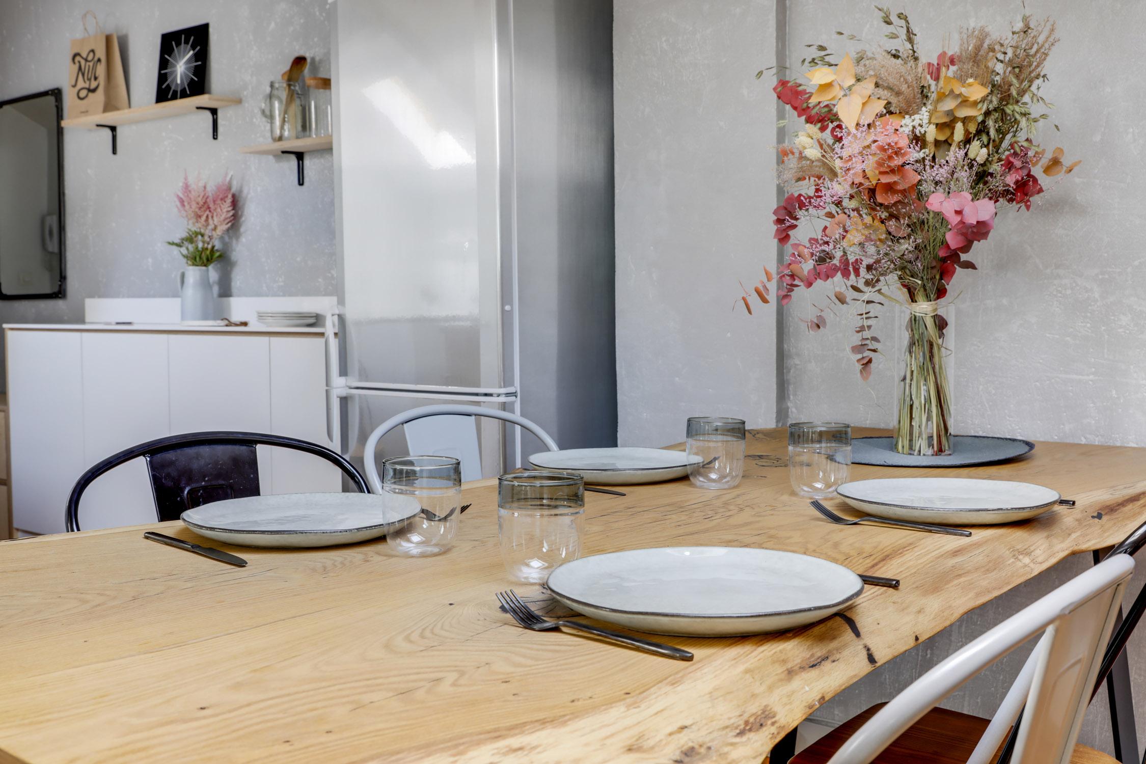 Rénovation - sous les combles - salle à manger - architecte d'intérieur - murs et merveilles